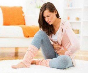 به گفته متخصص زنان در شیراز برای کاهش دردهای قاعدگی چه بخوریم
