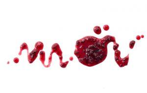 خون با لخته های بزرگ